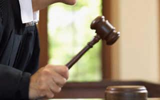 Можно ли прийти в суд без повестки