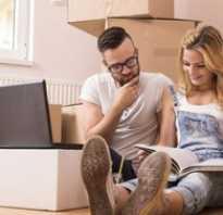 Может ли муж продать жене квартиру