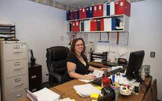 Делопроизводитель и секретарь отличия